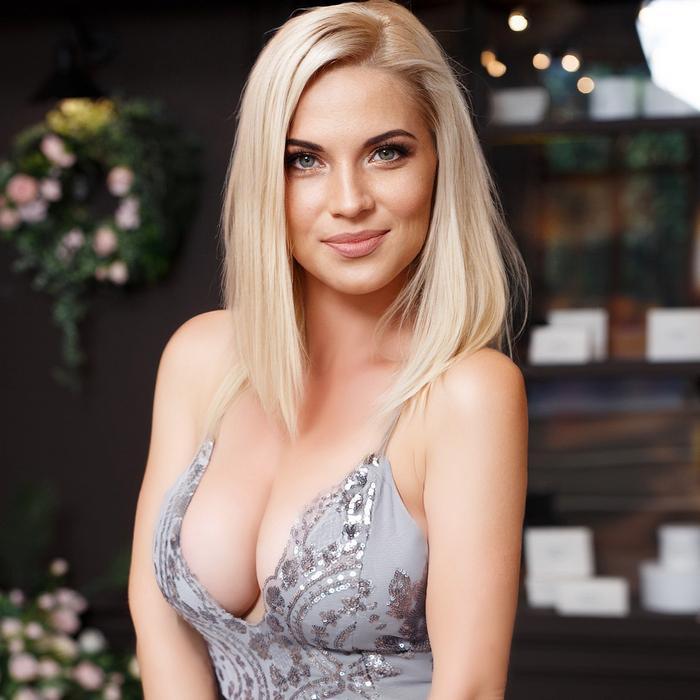 Sexy girl Anna, 36 yrs.old from Kiev, Ukraine