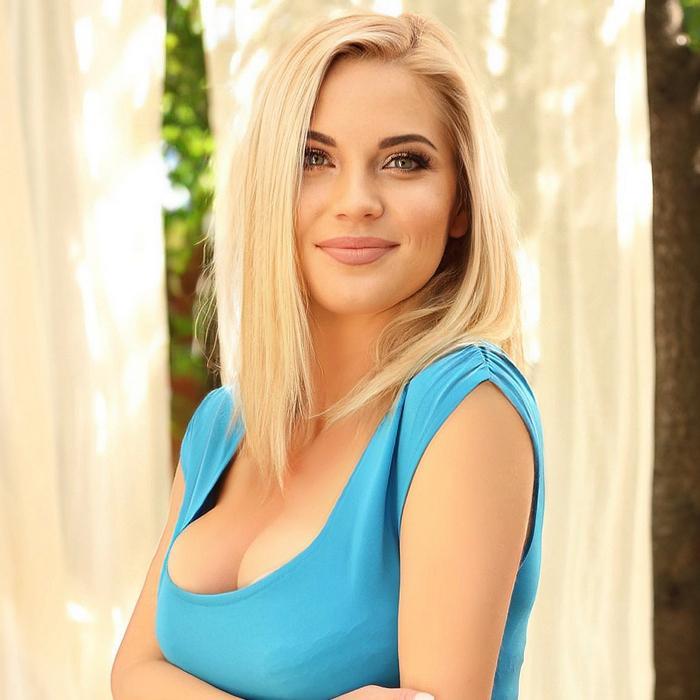 Sexy lady Anna, 36 yrs.old from Kiev, Ukraine