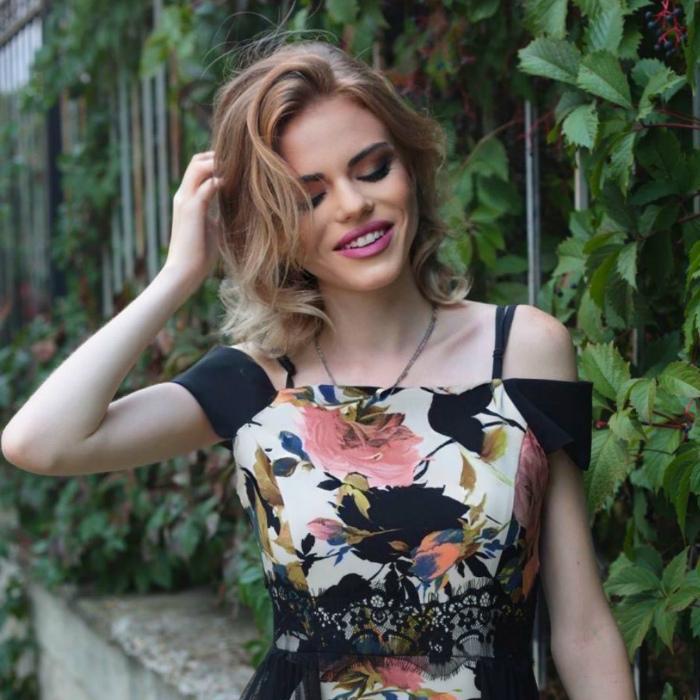 Pretty girlfriend Ludmila, 21 yrs.old from Simferopol, Russia