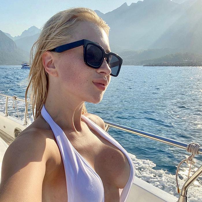 Single lady Angelina, 22 yrs.old from Minsk, Belarus