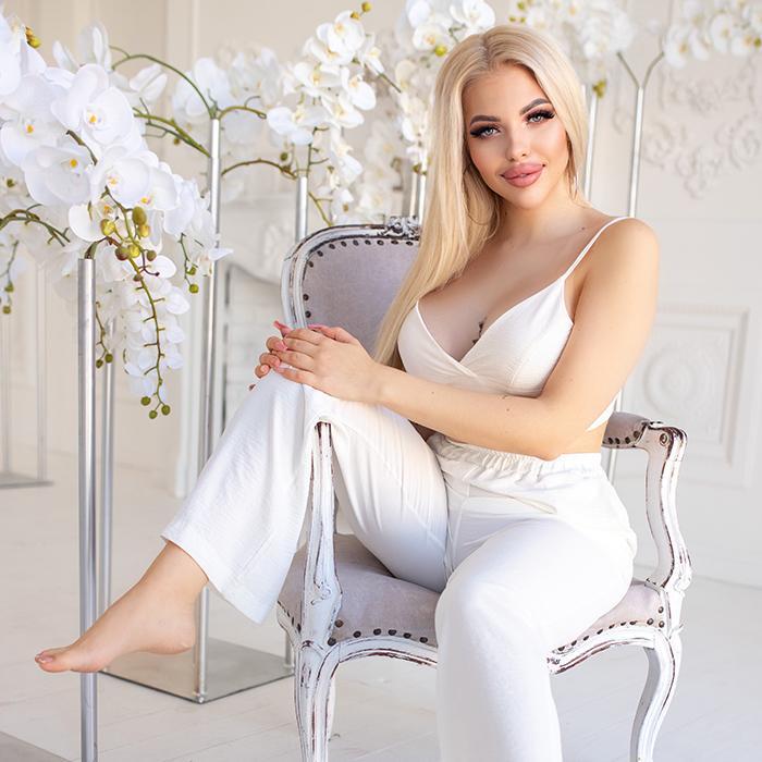 Amazing wife Daria, 22 yrs.old from Kiev, Ukraine