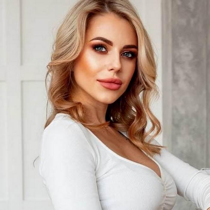 Sexy pen pal Valentina, 33 yrs.old from Khabarovsk, Russia